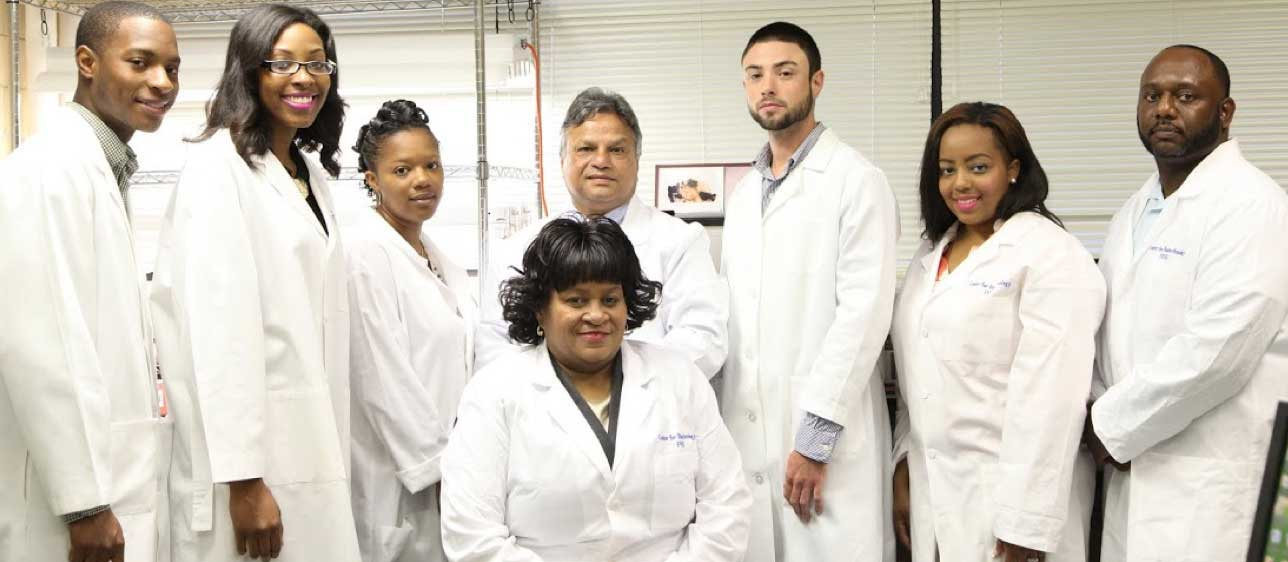 Dr. Andrew Lee, Dr. Sarwan Dhir and students