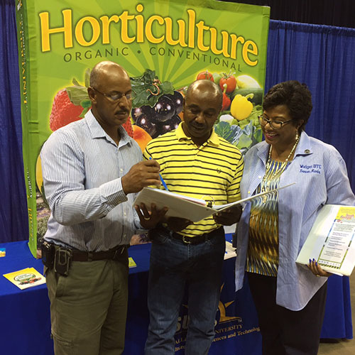 Cooperative Extension program collaborates with non-profit to educate south Georgia farmers