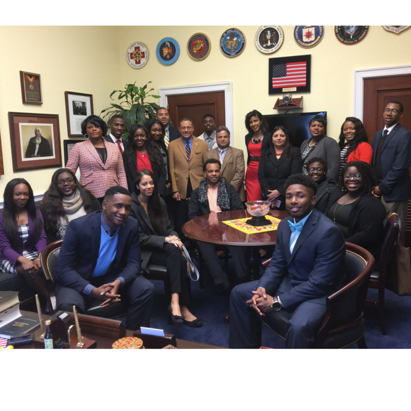 Congressman Sanford Bishop meets with FVSU students at his office before the ERN Conference.